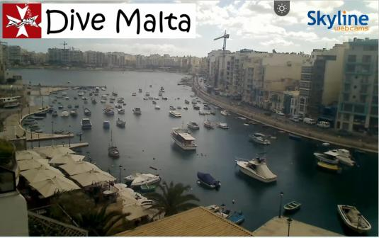 Spinola Bay Live Streaming St. Julian\'s Town Centre Weather Cam, Malta